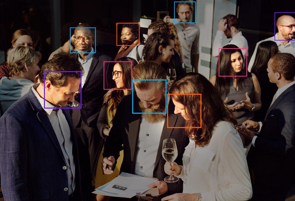Распознавание лиц от FindFace на многотысячных мероприятиях и частных вечеринках