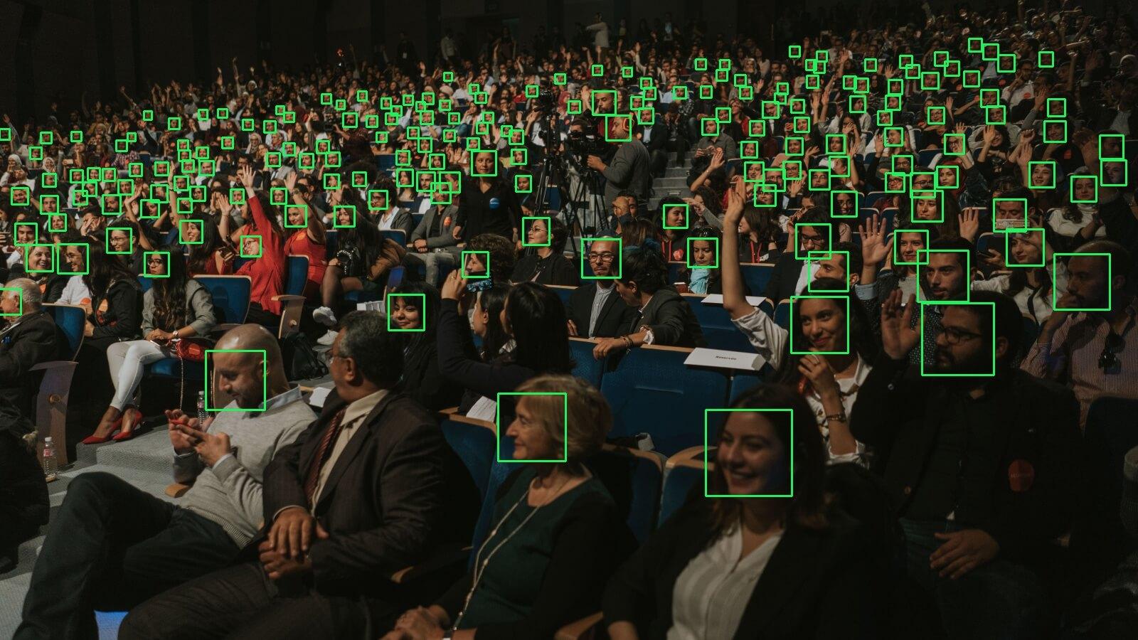 Detectando rostos em condições difíceis de pouca iluminação e desfoque
