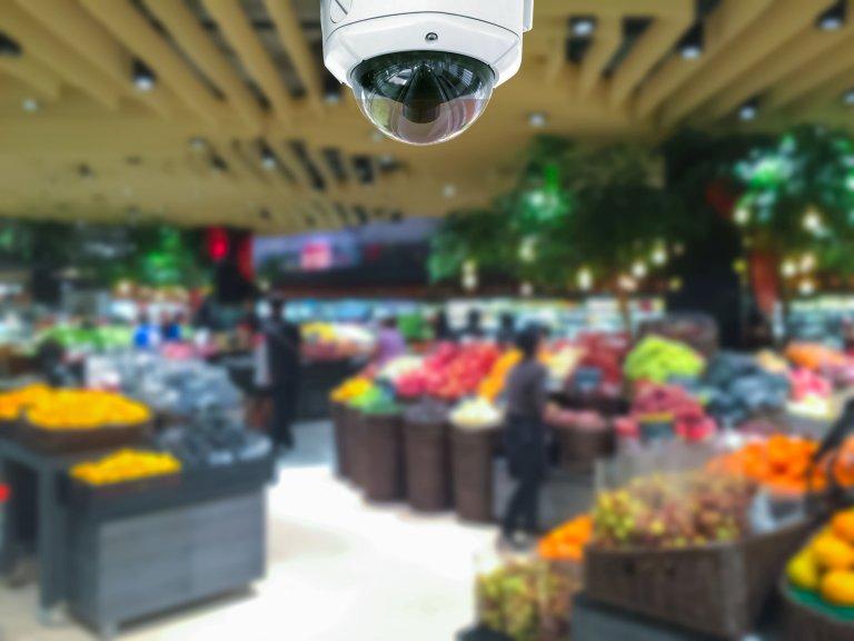 """Сеть магазинов """"Подружка"""" задержала более 160 шоплифтеров за 6 месяцев работы с системой распознавания лиц FindFace"""